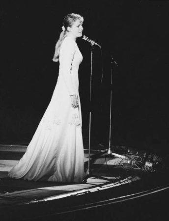 Анна Герман на сцене