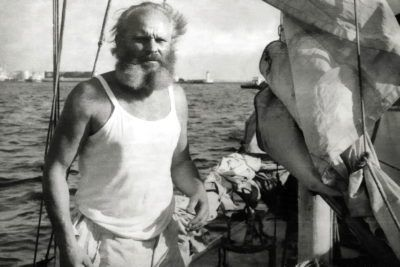 Леонид Телига на борту своей яхты «Опти»