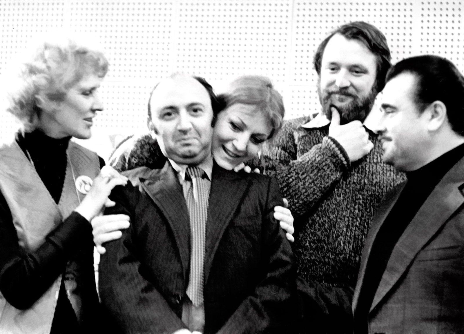 """Фирма """"Мелодия"""" (1980 г.): Анна Герман и Антс Паю (сзади) и Анна Качалина, Оскар Фельцман и Евгений Птичкин"""
